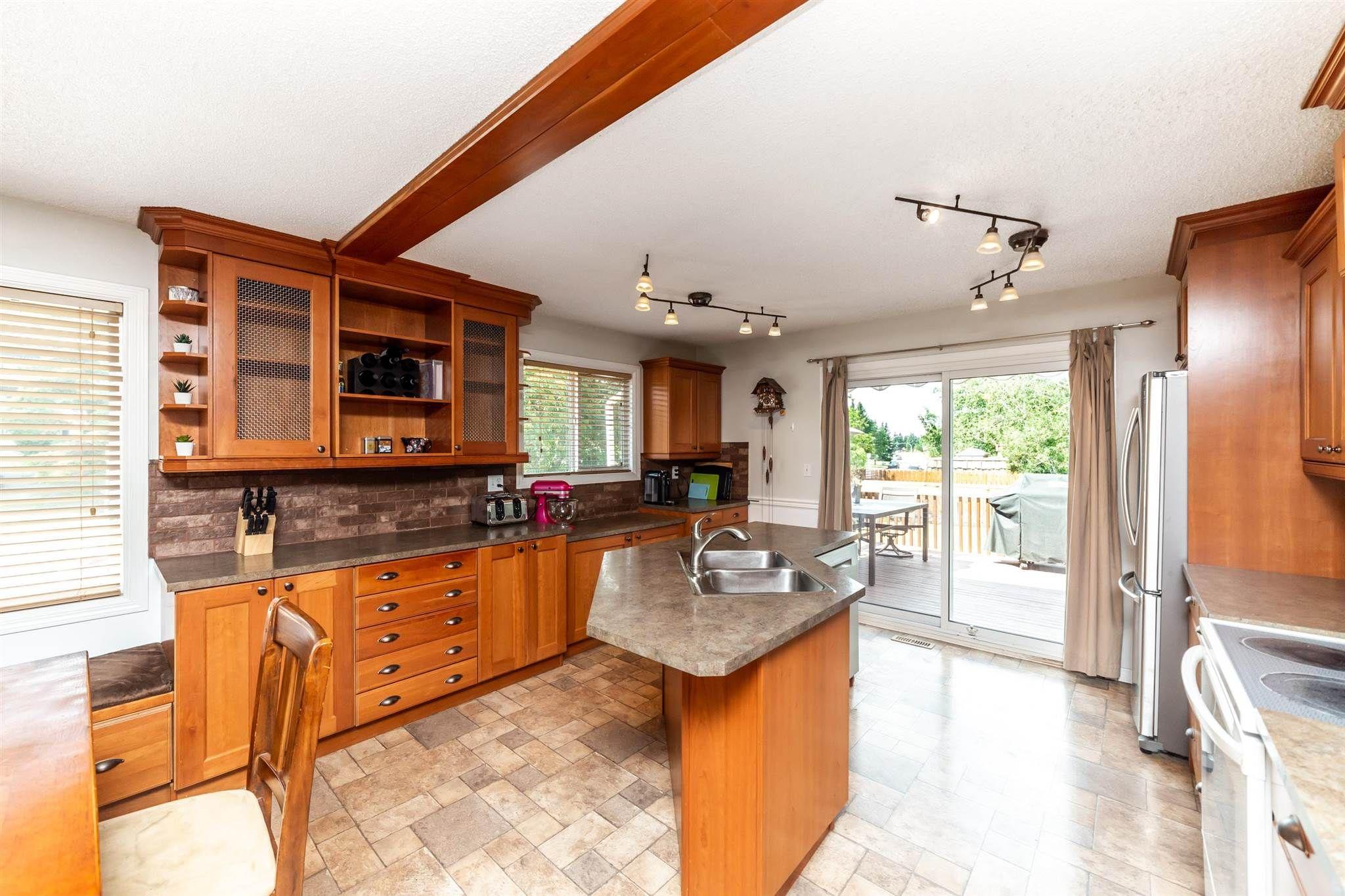 Main Photo: 1703 48 Street in Edmonton: Zone 29 House for sale : MLS®# E4253863