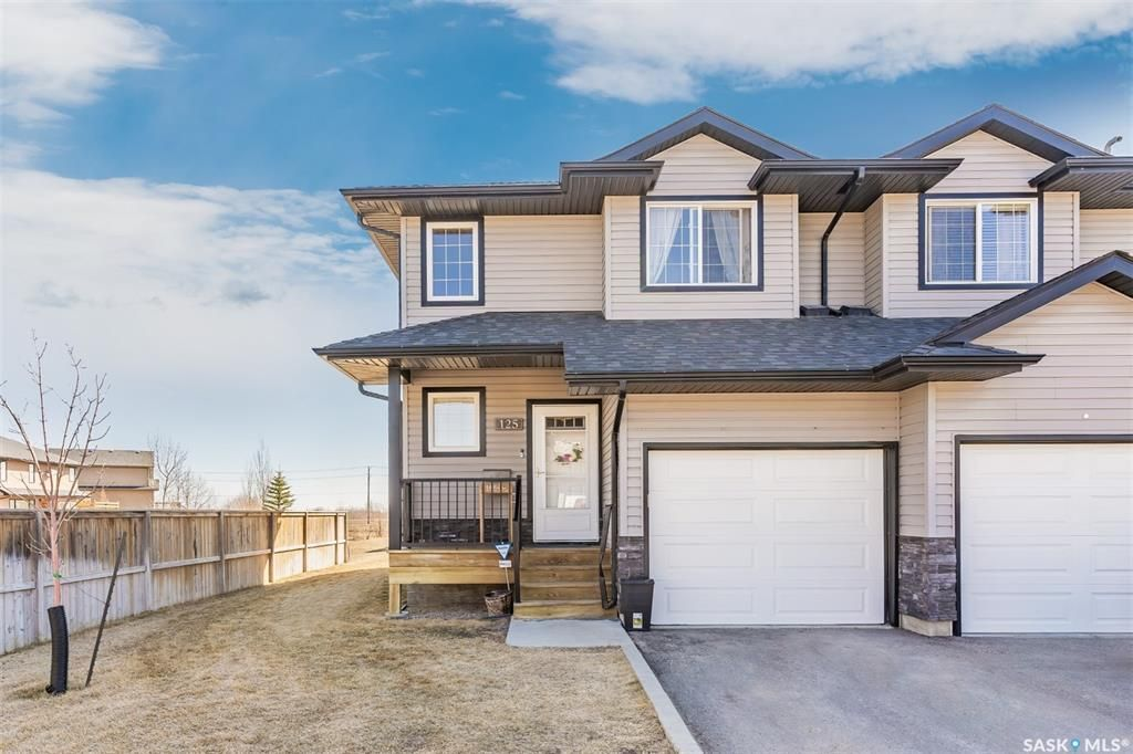 Main Photo: 125 901 4th Street South in Martensville: Residential for sale : MLS®# SK850141