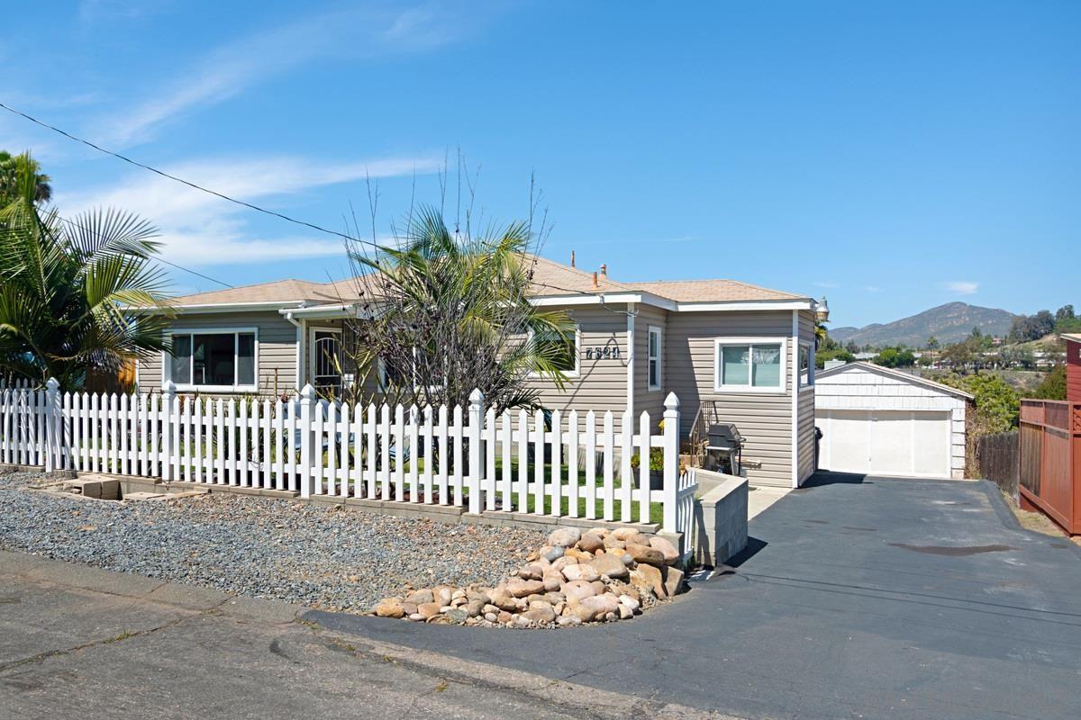 Main Photo: LA MESA House for sale : 4 bedrooms : 7624 Saranac Ave