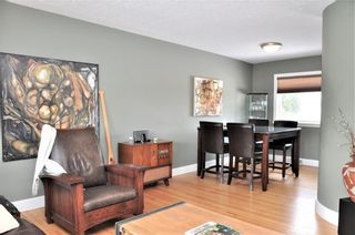 Photo 4: 15 WESTVIEW Drive SW in Calgary: Westgate House for sale : MLS®# C4173447