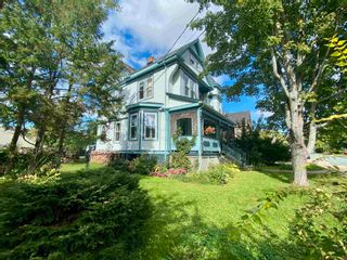 Photo 4: 210 Gray Street in Windsor: 403-Hants County Residential for sale (Annapolis Valley)  : MLS®# 202124964