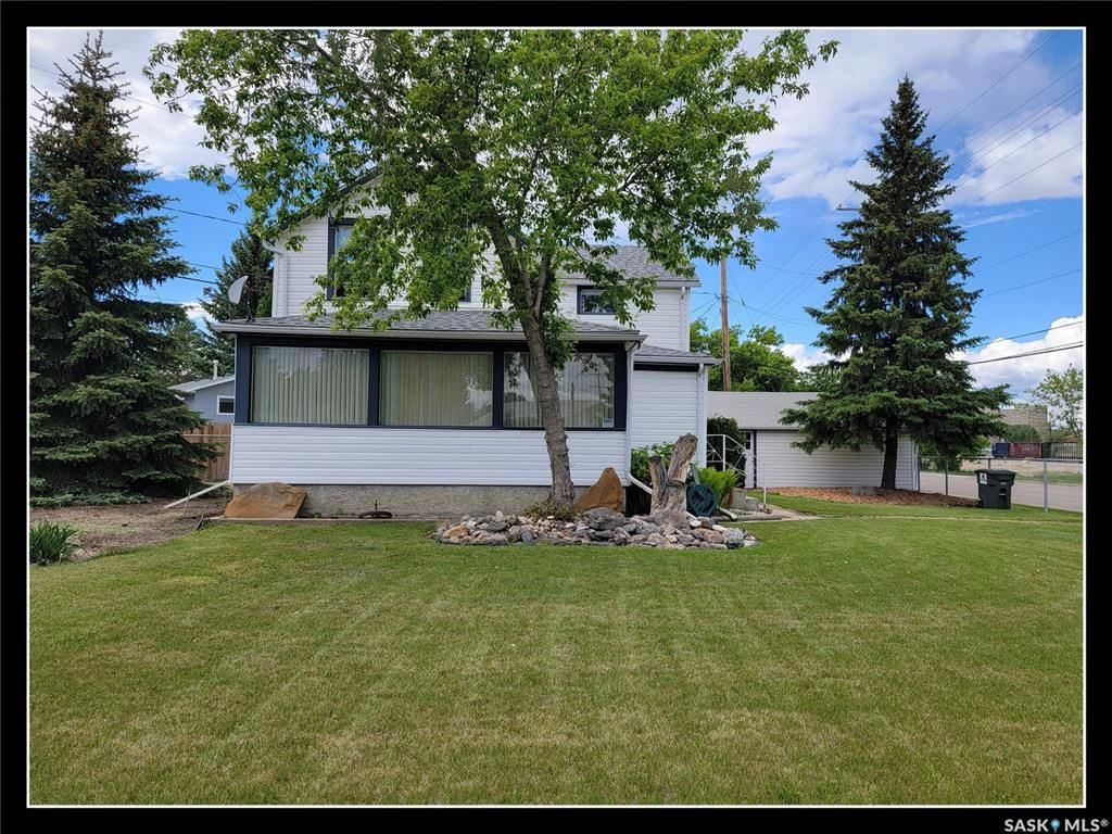 Main Photo: 801 101st Street in North Battleford: Riverview NB Residential for sale : MLS®# SK858908