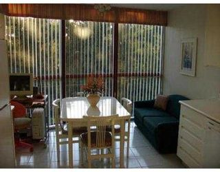 """Photo 8: 403 38 LEOPOLD PL in New Westminster: Downtown NW Condo for sale in """"EAGLE CREST"""" : MLS®# V565945"""