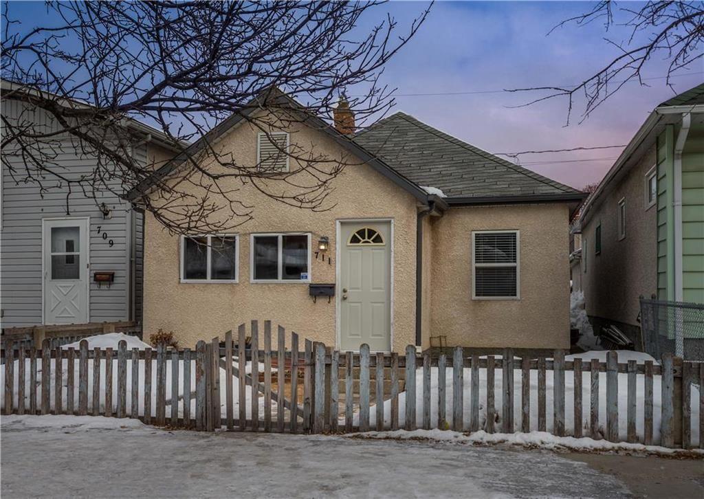 Main Photo: 711 Talbot Avenue in Winnipeg: East Kildonan Residential for sale (3B)  : MLS®# 202004540