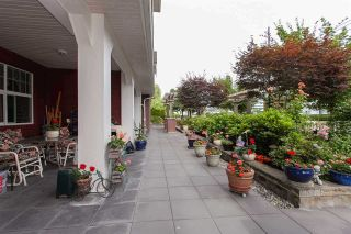 """Photo 19: #113 17712 57A Avenue in Surrey: Cloverdale BC Condo for sale in """"West on the Village Walk"""" (Cloverdale)  : MLS®# R2439030"""
