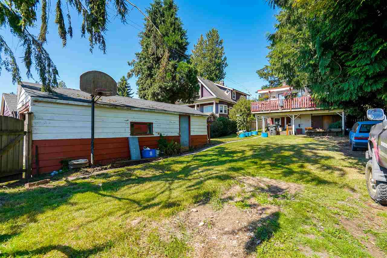 Photo 34: Photos: 8030 13TH Avenue in Burnaby: East Burnaby House for sale (Burnaby East)  : MLS®# R2494365