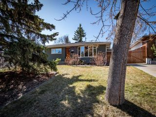 Main Photo: 117 Wimbledon Crescent SW in Calgary: Wildwood Detached for sale : MLS®# A1100421