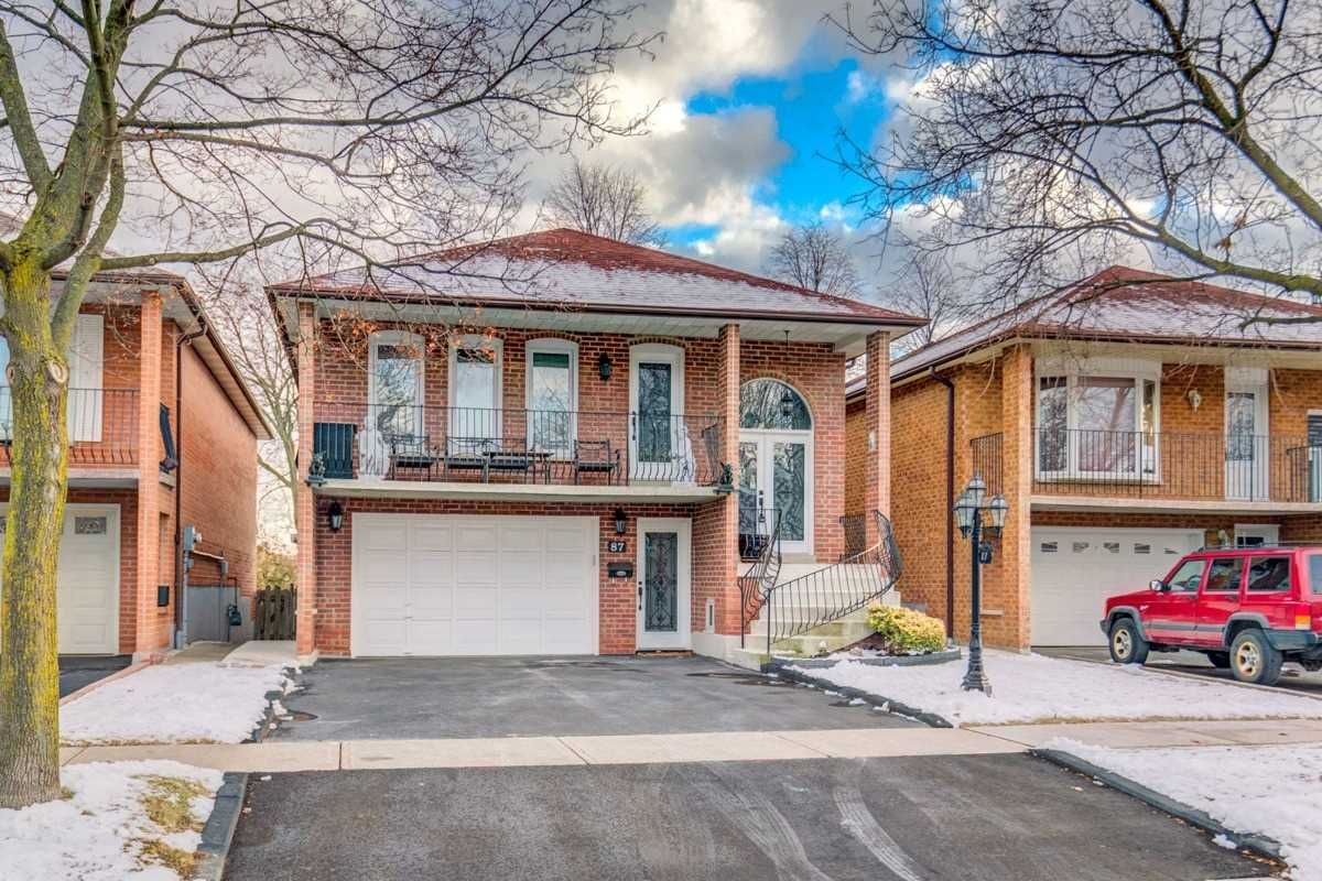 Main Photo: 87 Whitchurch Mews in Mississauga: Cooksville House (Bungalow-Raised) for lease : MLS®# W4661824