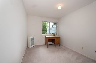 "Photo 13: 23 7040 WILLIAMS Road in Richmond: Broadmoor Townhouse for sale in ""TWIN CEDAR VILLAGE"" : MLS®# R2487395"