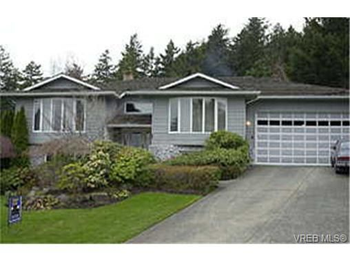 FEATURED LISTING: 4786 Amblewood Dr VICTORIA