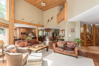 Photo 2: 2010 BLUEBIRD Place in Squamish: Garibaldi Highlands House for sale : MLS®# R2125373