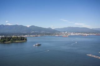 """Photo 3: SPH2502 1233 W CORDOVA Street in Vancouver: Coal Harbour Condo for sale in """"CARINA - COAL HARBOUR"""" (Vancouver West)  : MLS®# R2619427"""