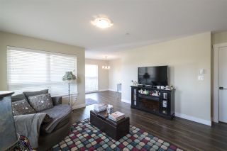 Photo 2: 106 4815 55B STREET in Delta: Hawthorne Condo for sale (Ladner)  : MLS®# R2558499