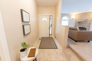 Photo 2: 200 Lindenwood Drive East in Winnipeg: Linden Woods Residential for sale (1M)  : MLS®# 202111718