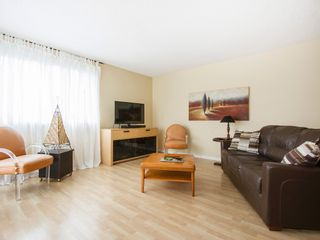 """Photo 6: 303 1540 MARINER Walk in Vancouver: False Creek Condo for sale in """"MARINER POINT"""" (Vancouver West)  : MLS®# V1121673"""