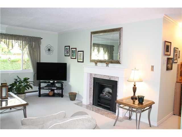 """Photo 2: Photos: 11654 KINGSBRIDGE Drive in Richmond: Ironwood Townhouse for sale in """"KINGSWOOD DOWNES"""" : MLS®# V932492"""