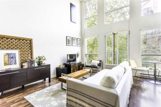 """Photo 2: 302 1 E CORDOVA Street in Vancouver: Downtown VE Condo for sale in """"CARRALL ST STATION"""" (Vancouver East)  : MLS®# R2502376"""