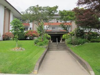 """Photo 1: 302 7180 LINDEN Avenue in Burnaby: Highgate Condo for sale in """"LINDEN HOUSE"""" (Burnaby South)  : MLS®# R2177989"""
