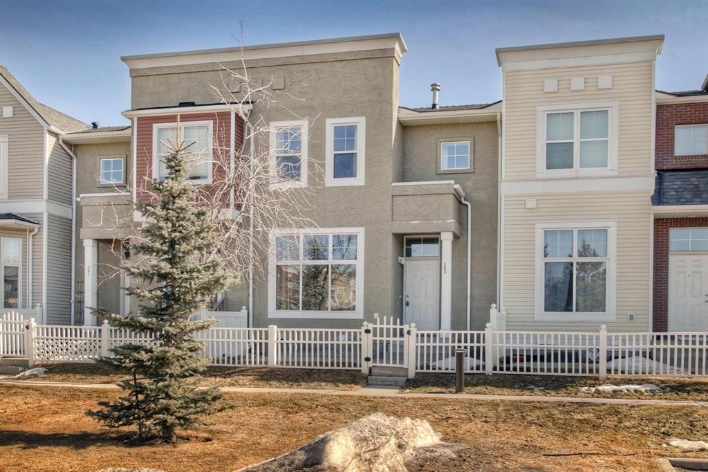 Main Photo: 123 Mckenzie Towne Gate SE in Calgary: McKenzie Towne Row/Townhouse for sale : MLS®# A1083027