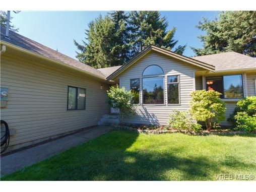 Photo 3: Photos: 2386 Terrace Rd in SHAWNIGAN LAKE: ML Shawnigan House for sale (Malahat & Area)  : MLS®# 677186