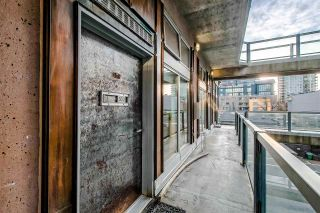 """Photo 2: 303 1529 W 6TH Avenue in Vancouver: False Creek Condo for sale in """"SOUTH GRANVILLE LOFTS"""" (Vancouver West)  : MLS®# R2349958"""