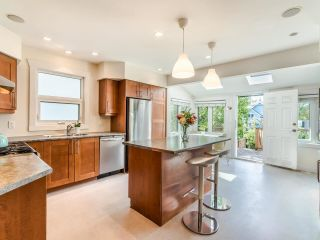 Photo 8: 1606 E 10TH Avenue in Vancouver: Grandview Woodland House for sale (Vancouver East)  : MLS®# R2579032