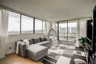 """Photo 10: 1706 3970 CARRIGAN Court in Burnaby: Government Road Condo for sale in """"Harrington - Discovery Place 2"""" (Burnaby North)  : MLS®# R2485724"""