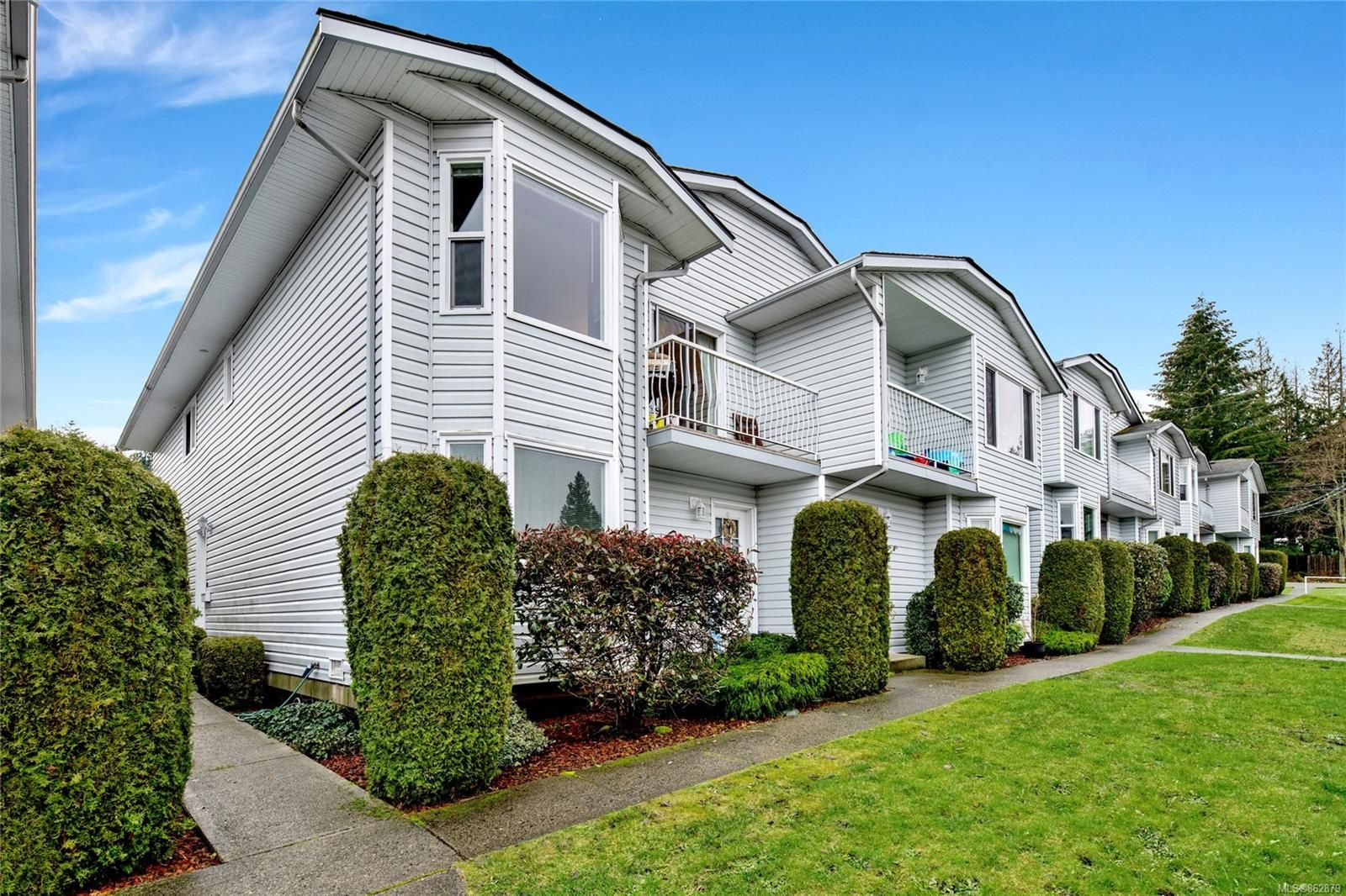 Main Photo: 12 270 Harwell Rd in : Na University District Row/Townhouse for sale (Nanaimo)  : MLS®# 862879