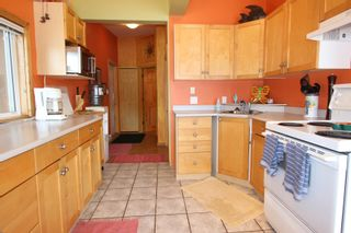 Photo 12: 7748 Squilax Anglemont Road: Anglemont House for sale (North Shuswap)  : MLS®# 10229749