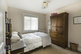 Photo 12: 15555 GOGGS Avenue: White Rock House for sale (South Surrey White Rock)  : MLS®# R2082032