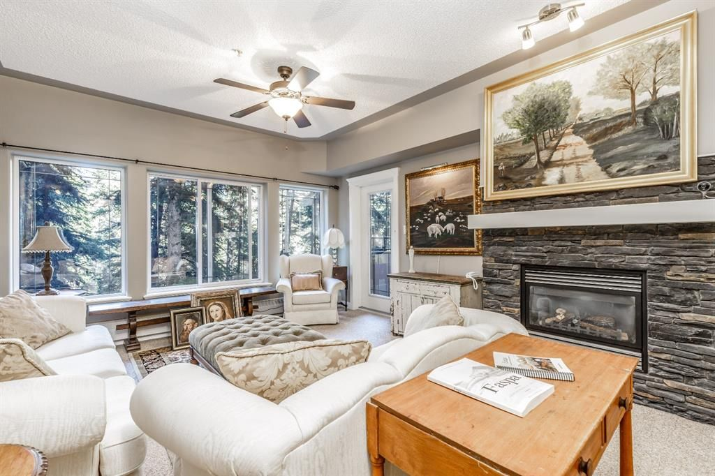 Main Photo: 217 20 DISCOVERY RIDGE Close SW in Calgary: Discovery Ridge Apartment for sale : MLS®# A1015341