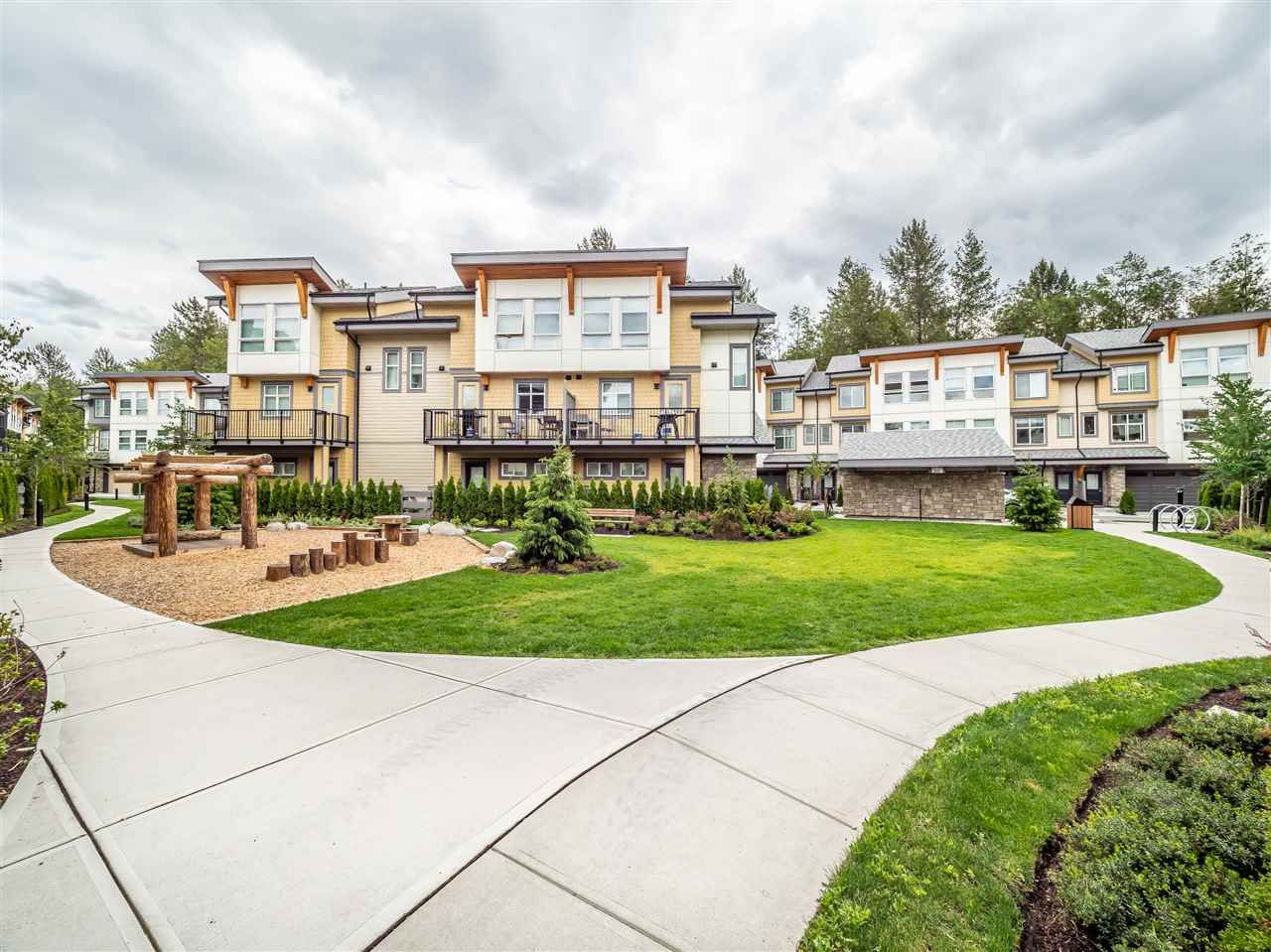 Main Photo: 67 39548 Loggers Lane in Squamish: Townhouse for sale : MLS®# R2419330