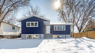 Photo 1: 943 Vaughan Street West in Moose Jaw: Westmount/Elsom Residential for sale : MLS®# SK841971