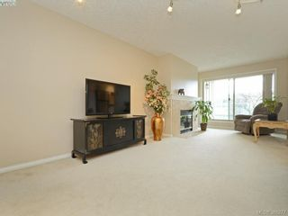 Photo 2: 206 535 Manchester Rd in VICTORIA: Vi Burnside Condo for sale (Victoria)  : MLS®# 780279