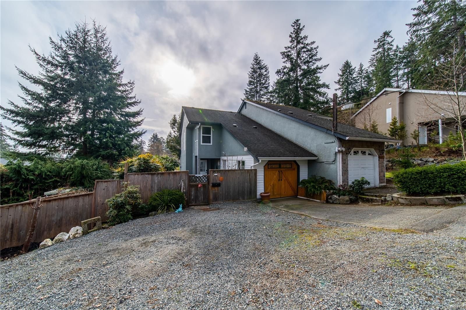 Main Photo: 1638 Sheriff Way in : Na Hammond Bay Half Duplex for sale (Nanaimo)  : MLS®# 869199