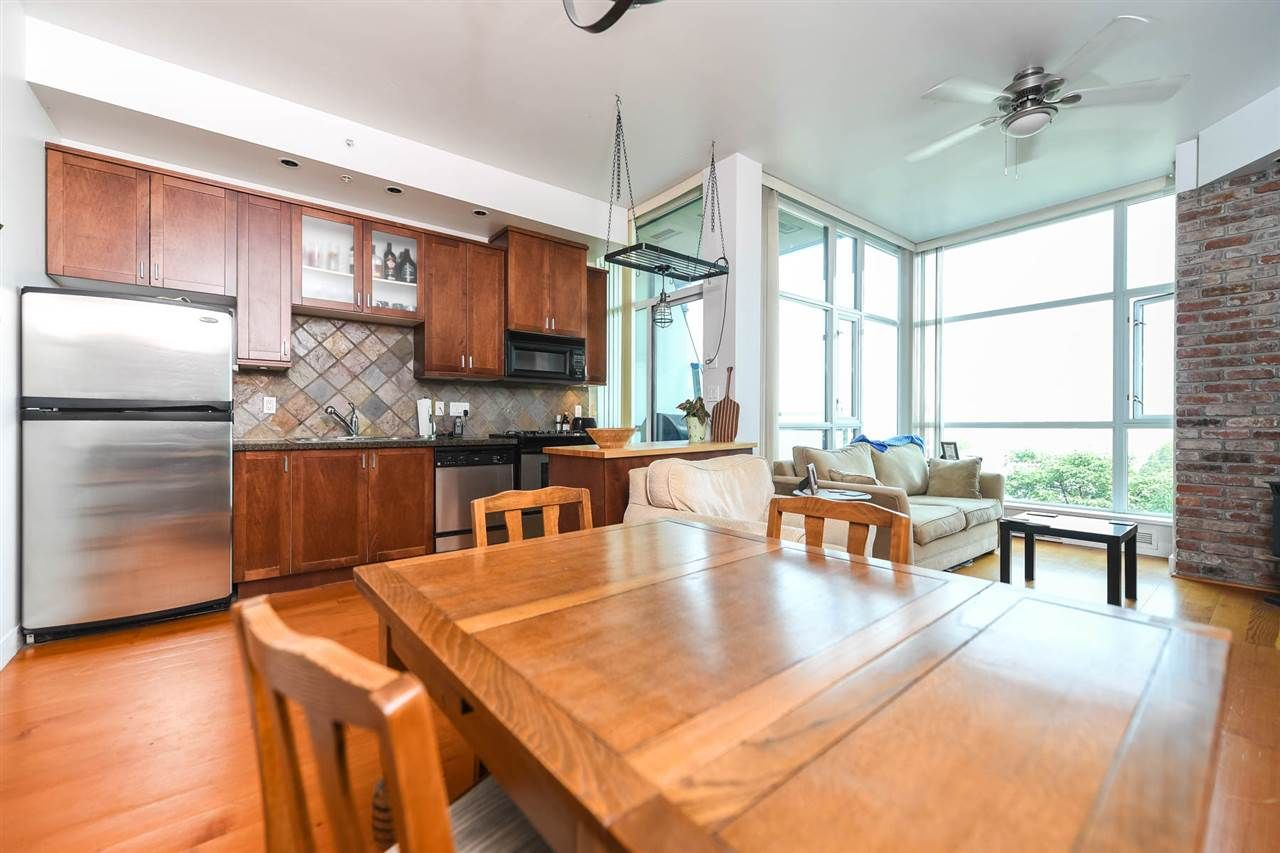 """Main Photo: 316 2515 ONTARIO Street in Vancouver: Mount Pleasant VW Condo for sale in """"ELEMENTS"""" (Vancouver West)  : MLS®# R2197101"""