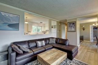Photo 5: 928 ARCHWOOD Road SE in Calgary: Acadia Detached for sale : MLS®# C4258143