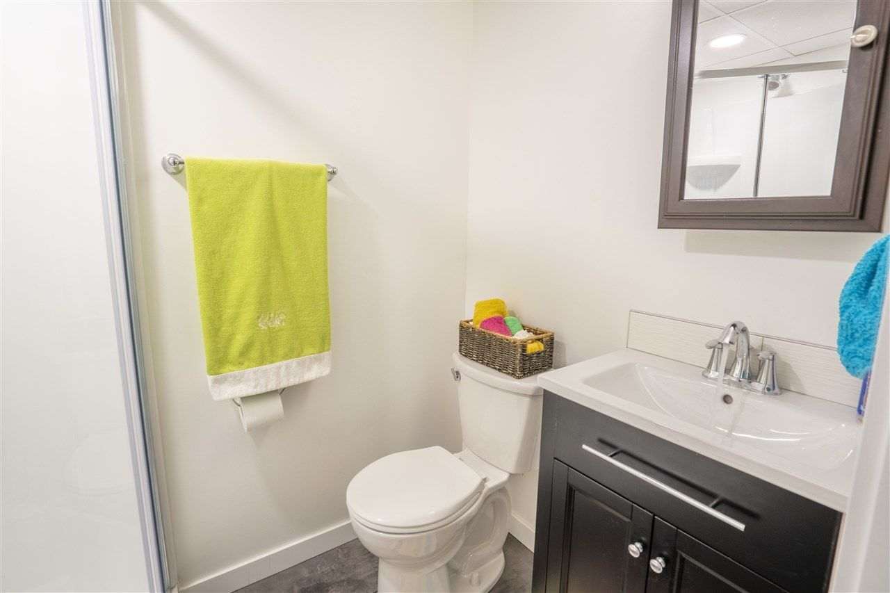 """Photo 17: Photos: 7827 QUEENS Crescent in Prince George: Lower College House for sale in """"LOWER COLLEGE HEIGHTS"""" (PG City South (Zone 74))  : MLS®# R2422885"""