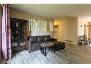 Photo 4: 429 LAURENTIAN Crescent in Coquitlam: Central Coquitlam House for sale : MLS®# R2549934