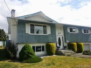 Photo 2: 636 Baltic Pl in VICTORIA: SW Glanford House for sale (Saanich West)  : MLS®# 655993