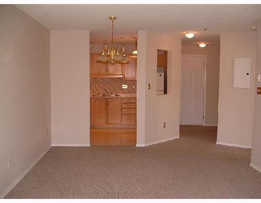 Photo 4: Photos: 207 2335 WHYTE Avenue in Port_Coquitlam: Central Pt Coquitlam Condo for sale (Port Coquitlam)  : MLS®# V682326