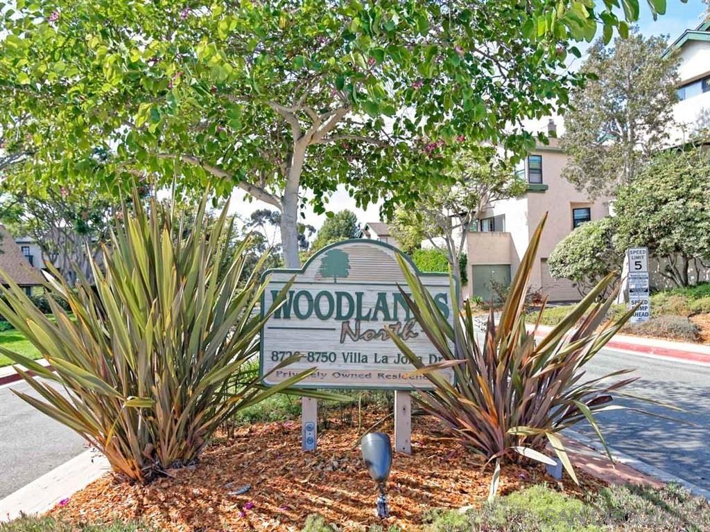 Main Photo: LA JOLLA Townhouse for sale : 2 bedrooms : 8738 Villa La Jolla Dr #2
