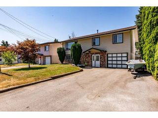 Photo 2: 7687 JUNIPER Street in Mission: Mission BC House for sale : MLS®# R2604579
