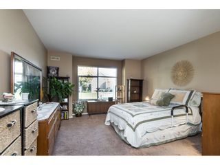 """Photo 12: 13 19649 53 Avenue in Langley: Langley City Townhouse for sale in """"Huntsfield Green"""" : MLS®# R2412498"""