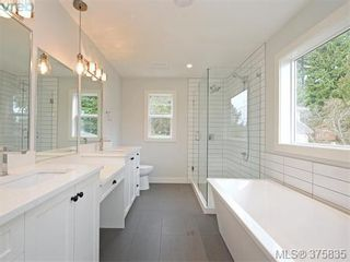 Photo 10: 904 Randall Pl in VICTORIA: La Florence Lake House for sale (Langford)  : MLS®# 754488