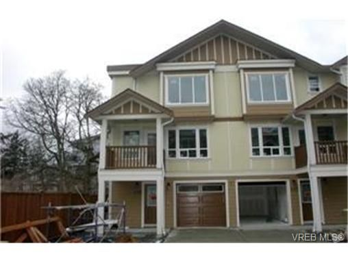 Main Photo:  in VICTORIA: La Langford Proper Row/Townhouse for sale (Langford)  : MLS®# 464143