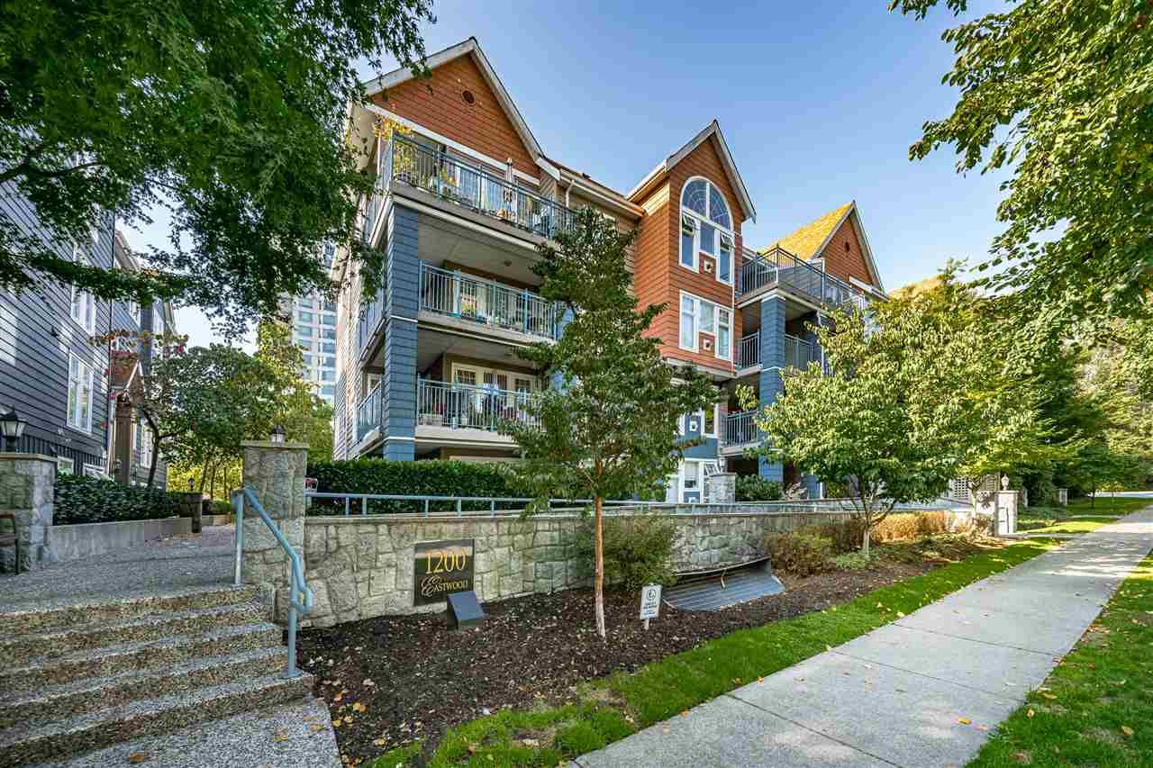 "Main Photo: 208 1200 EASTWOOD Street in Coquitlam: North Coquitlam Condo for sale in ""LAKESIDE TERRACE"" : MLS®# R2506576"