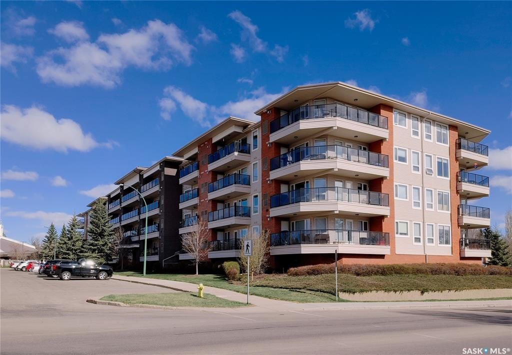 Main Photo: 108 102 Kingsmere Place in Saskatoon: Lakeview SA Residential for sale : MLS®# SK852742