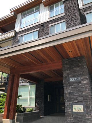 """Photo 2: 301 3205 MOUNTAIN Highway in North Vancouver: Lynn Valley Condo for sale in """"MILL HOUSE"""" : MLS®# R2409357"""