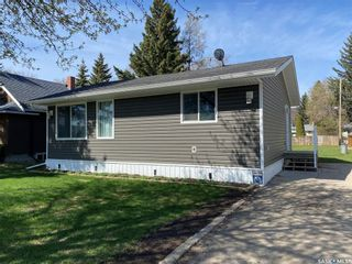 Photo 2: 444 Company Avenue South in Fort Qu'Appelle: Residential for sale : MLS®# SK854942